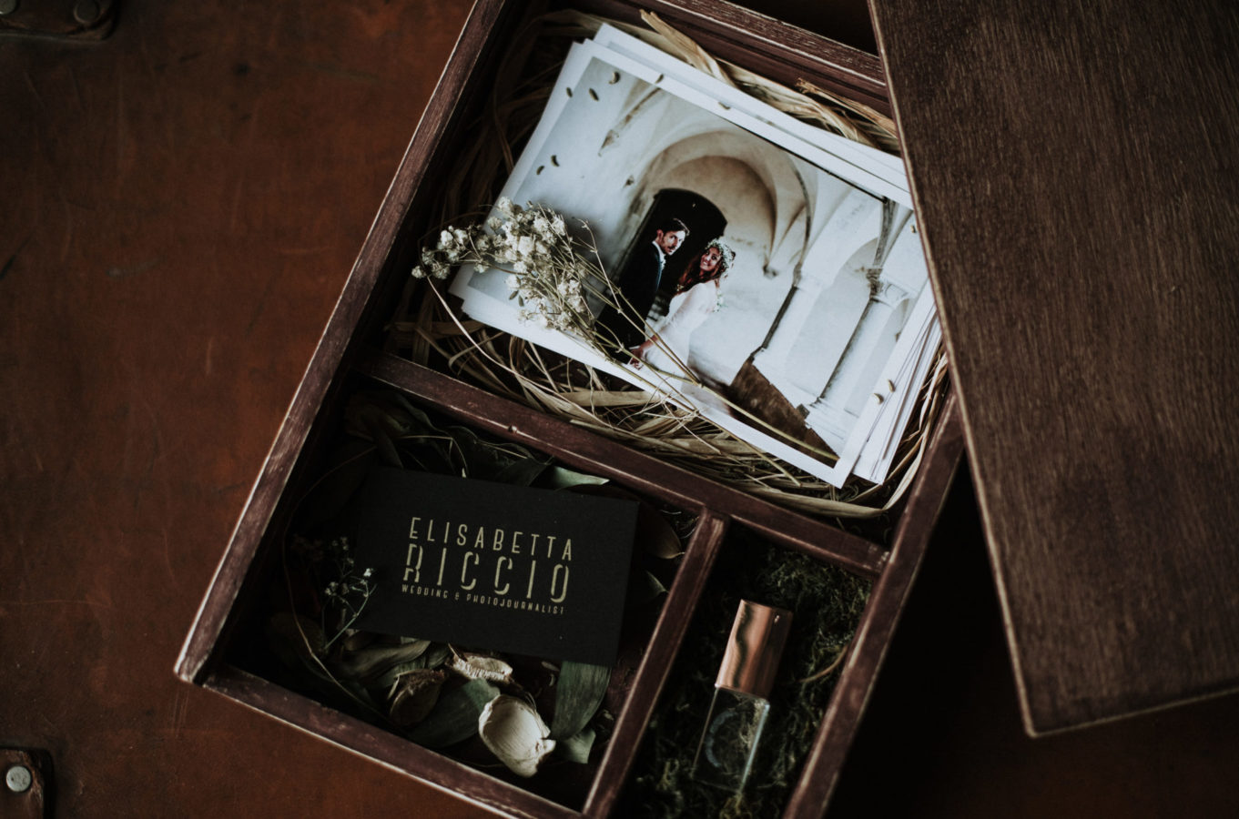 wedding packaging - wooden wedding box - home made wooden boxes with fine art print & usb