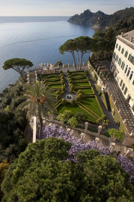 Villa Cimbrone, a fairy location for a wedding in Amalfi, Italy